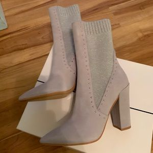 Dolce Vita suede booties gorgeous 7.5 bnwt
